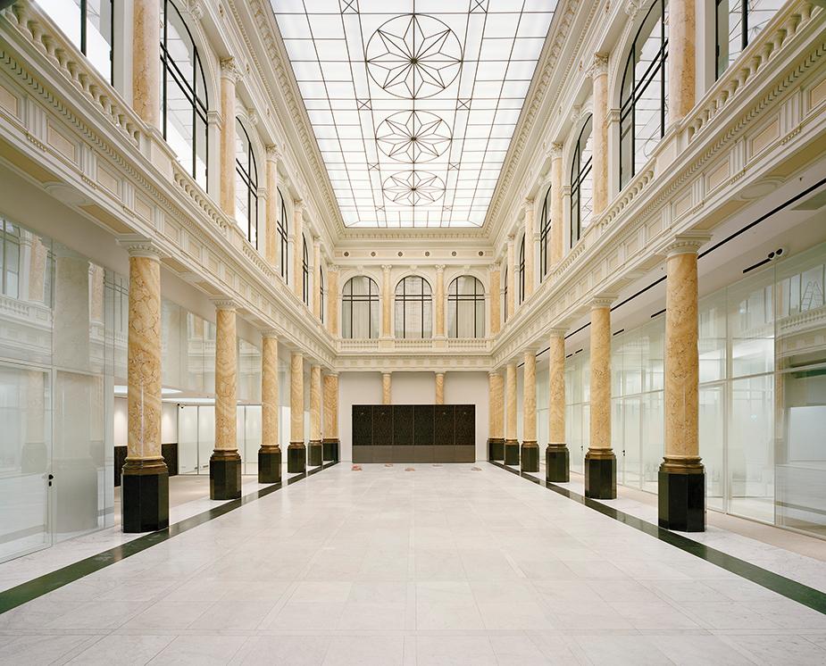 Historische Kassenhalle der Commerzbank am Jungfernstieg in Hamburg